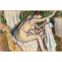 Reprodukcje obrazów Woman Drying Her Arm - Edgar Degas
