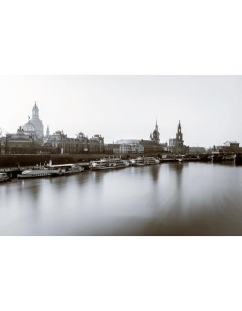 Miasto z łodziami