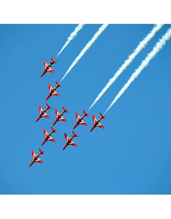 Air Show - czerwone samoloty