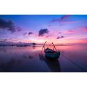 Zachód Słońca z łodzią
