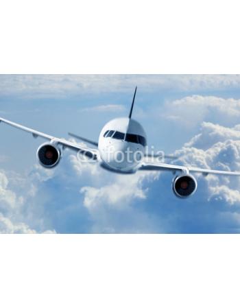 Samolot pasażerski w chmurach