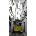 Żółty tramawaj w Lizbonie