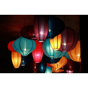 Święcące kolorowe lampiony